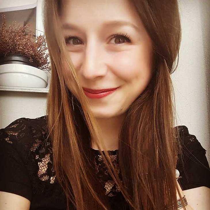Ex Gzsz Star Senta Sofia Delliponti Schwanger Mit Baby Nummer Eins