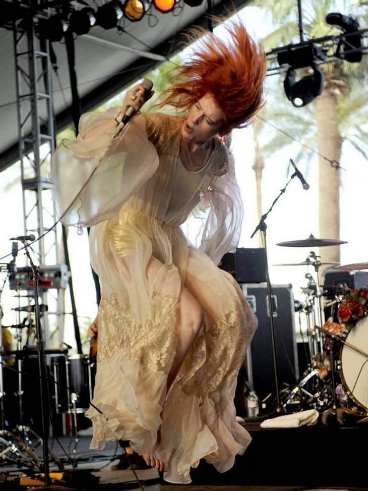 """Rote Zora: Rockender Indiepop von Florence + The Machine ist lange kein britischer Insidertipp mehr. CD-Tipp: """"Lungs"""" von Florence + The Machine bei Amazon.de"""