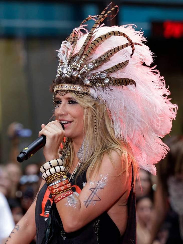 """Von der Backgroundsängerin von Britney Spears zur Chartstürmerin mit dem eigenen Song TiK ToK: Kesha Rose Sebert. CD-Tipp: """"Animal"""" von Ke$ha bei Amazon.de"""