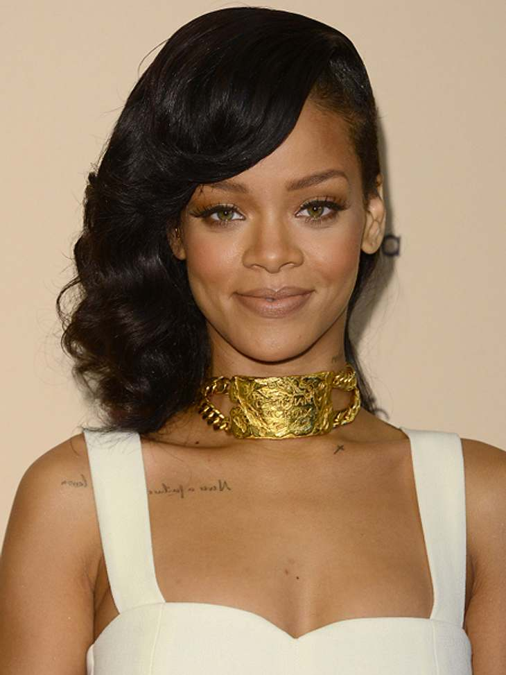 Das sind die Top 50 Stars bei FacebookPlatz 01: Rihanna65.246.786 LikesTada: Rihanna ist der beliebteste Star auf Facebook. Ob die Zahl von 65 Millionen Facebook-Fans mit ihren diversen leicht bekleideten Fotos zusammenhängt? Die tragen bes