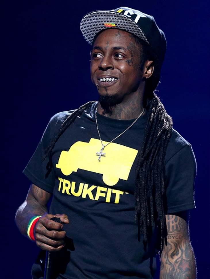 Das sind die Top 50 Stars bei FacebookPlatz 11: Lil Wayne42.342.891 LikesIhr wollt coole Poserfotos und witzige Bilder sehen? Dann seid ihr auf der Seite von Rapper Lil Wayne absolut richtig.  Zur Facebook-Seite von Lil Wayne