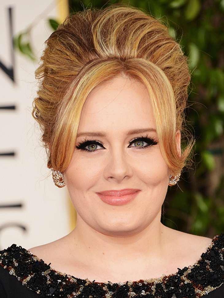 Das sind die Top 50 Stars bei FacebookPlatz 18: Adele38.414.417 LikesAuf ihrer Facebook-Seite merkt man die sympathische Zurückhaltung von Sängerin Adele: Fotos von sich postet sie kaum, außer ein paar offizielle. Dafür gibt es aktuelle Inf
