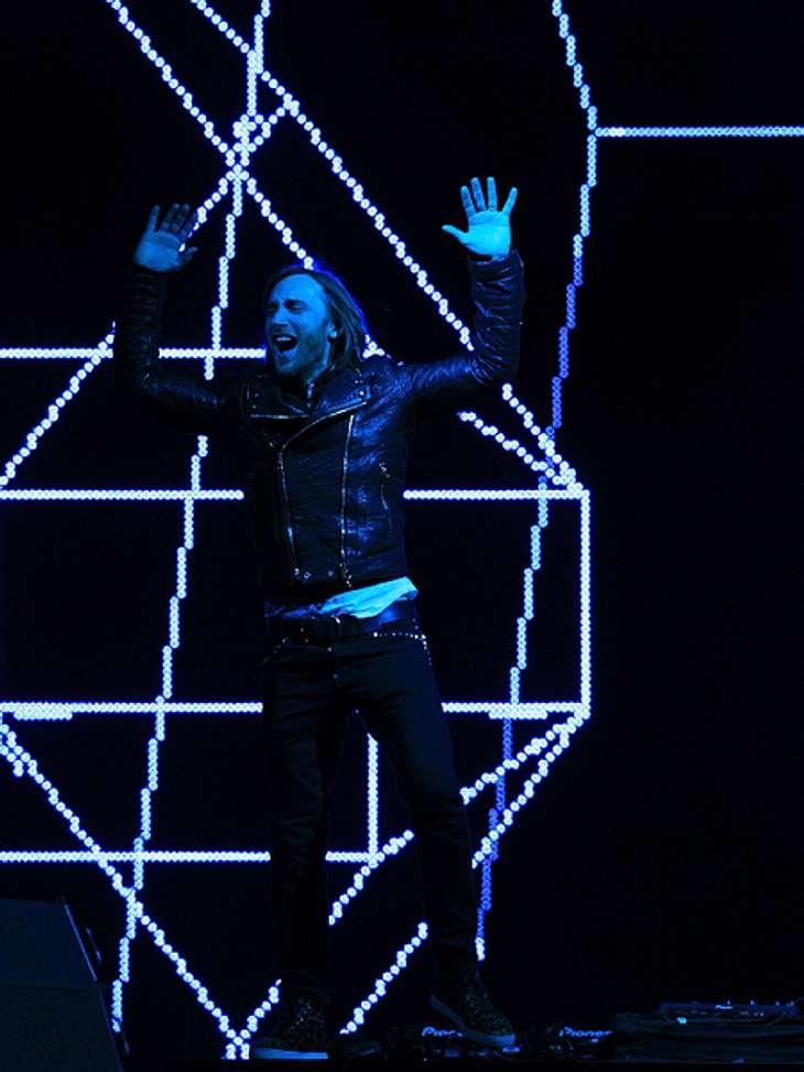 Das sind die Top 50 Stars bei FacebookPlatz 21: David Guetta37.941.222 LikesIhr wollt wissen, wo der französische DJ David Guetta auflegt? Erfährt man auf seiner Facebook-Seite. Zudem werden jede Menge Videos von ihm gepostet. Zur Facebook-