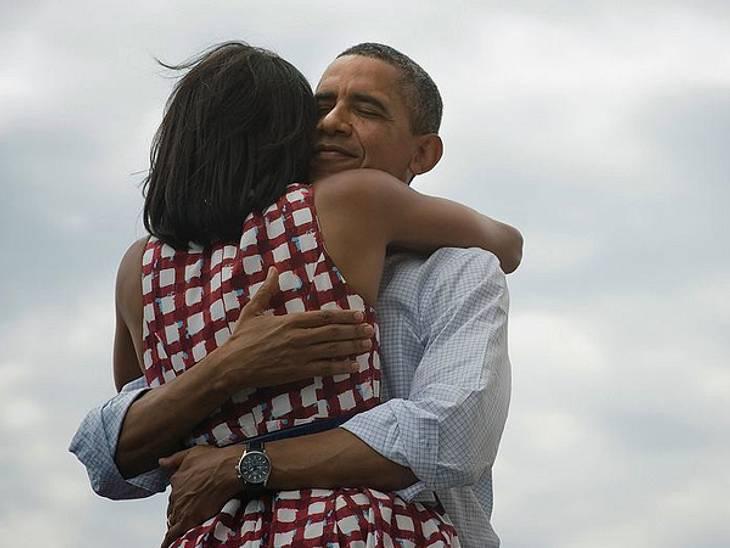 """Das sind die Top 50 Stars bei FacebookPlatz 26: Barack Obama34.762.821 LikesSchaut man sich den Facebook-Auftritt von Barack Obama an denkt man direkt: wie sympathisch. Vor kurzem postete er ein Bild wie er einem kleinen Jungen """"High F"""