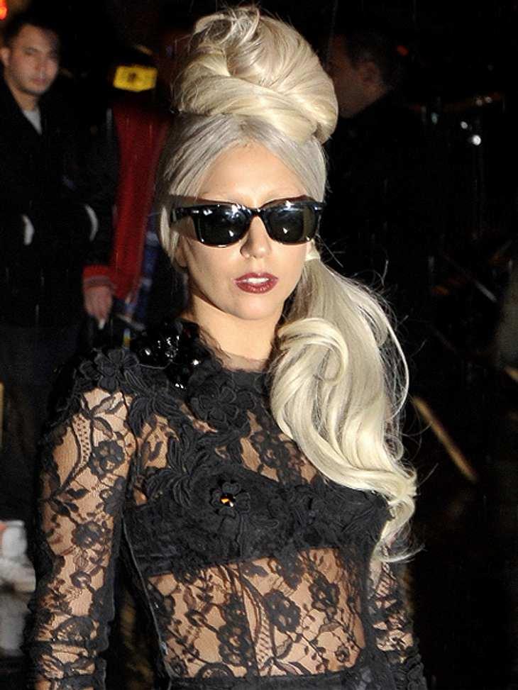 """Das sind die Top 50 Stars bei FacebookPlatz 04: Lady Gaga54.840.895 LikesIhre """"kleinen Monster"""" scheinen fleißig auf """"Like"""" zu drücken, weil sie in ihrer Timeline alle News über Lady Gaga lesen wollen. Und die bekommen s"""