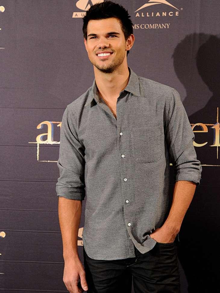 """Das sind die Top 50 Stars bei FacebookPlatz 46: Taylor Lautner22.589.190 Likes Taylor Lautner ist der einzige der drei Hauptdarsteller der """"Twilight""""-Saga, der es in die Top 50 geschafft hat. Robert Pattinson und Kristen Stewart h"""