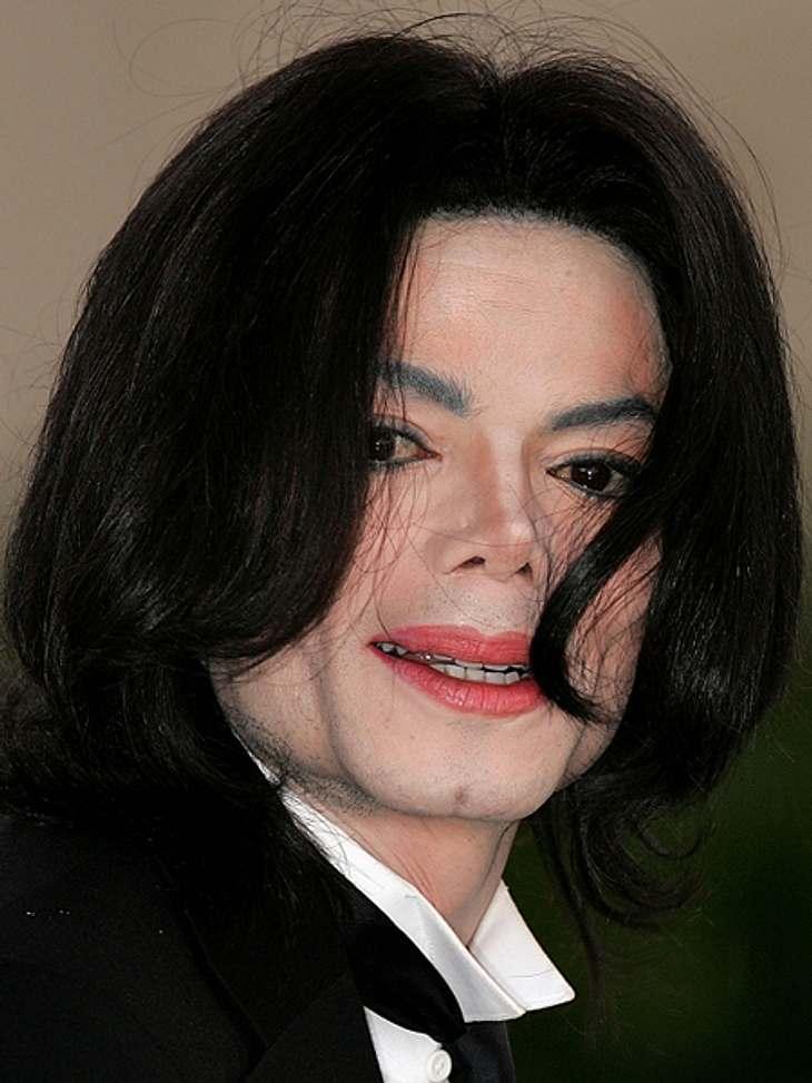Das sind die Top 50 Stars bei FacebookPlatz 05: Michael Jackson54.777.069 LikesIn Gedenken an den 2009 verstorbenen Michael Jackson werden auf der Facebook-Seite der Musiklegende alte Fotos, Songs, Videos und Cover gepostet.  Zur Facebook-S