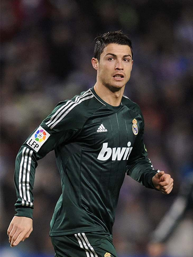 Das sind die Top 50 Stars bei FacebookPlatz 06: Cristiano Ronaldo52.879.266 LikesFußballer Schönling Christiano Ronaldo wurde 2008 Europas Fußballer des Jahres und Weltfußballer des Jahres. Da wundert es nicht, dass er unter den Top 10 der