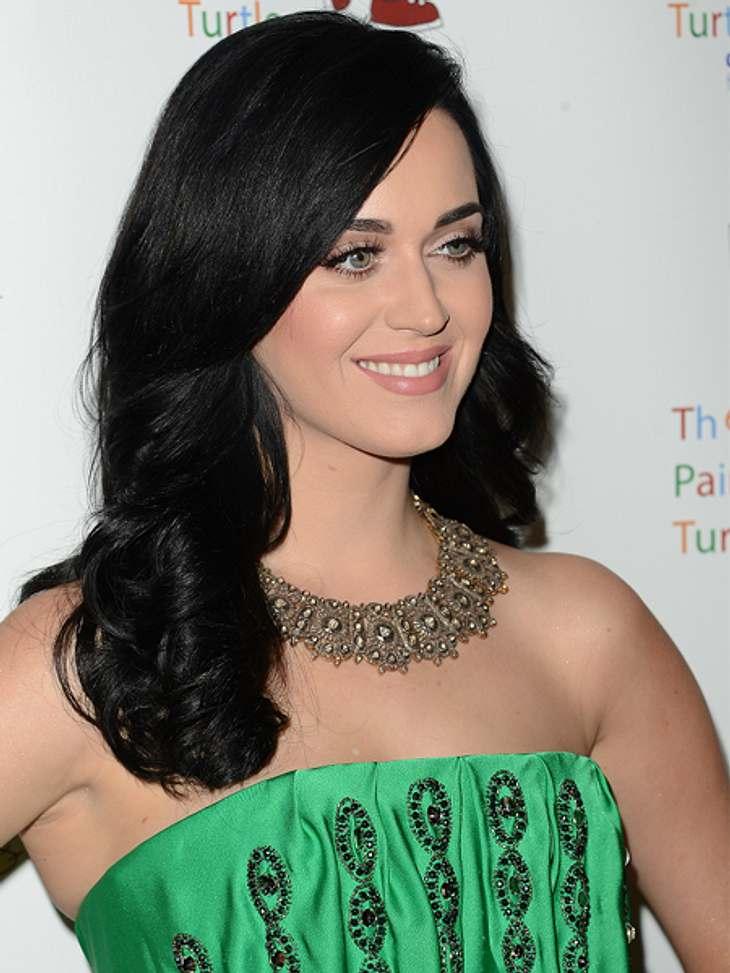 Das sind die Top 50 Stars bei FacebookPlatz 08: Katy Perry50.343.074 LikesKnallig und pink geht es auf der Facebook-Seite von Katy Perry zu, wenn man sich ihre Bilder dort so anschaut. Auch Bilder ihrer crazy Fingernägel sind zu sehen - zum