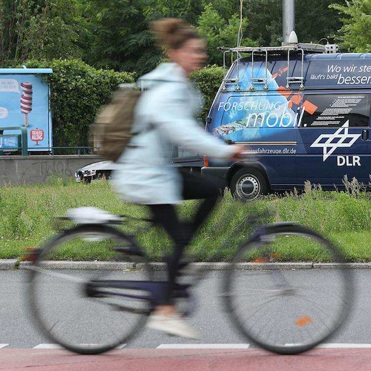 Ekel-Alarm: Mann leckt Fahrradsattel von fremder Frau ab
