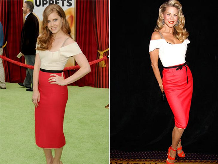 """Zwei Stars, ein Kleid: Diese Stars tragen die gleichen Klamotten!Amy Adams (38, """"Die Muppets"""") lässt ihrem Roland-Mouret-Dress den Vortritt:auf Schmuck verzichtet sie fast komplett. Christie Brinkley (58, """"Alles Betty!"""")"""