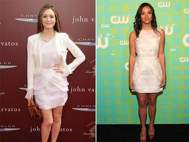 """Zwei Stars, ein Kleid: Diese Stars tragen die gleichen Klamotten!""""Dragonball Evolution""""-Star Emmy Rossum (25) hat das Kombi-Gen. Lilafarbene Pumps, braune Clutch, weißes Jäckchen und Goldkette - ein Farbmix, der überrascht und den"""