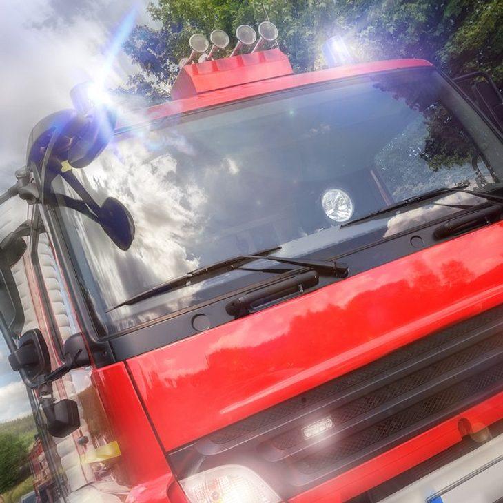Wohnungsbrand in Berliner Hochhaus: Mann springt vom Balkon und stirbt