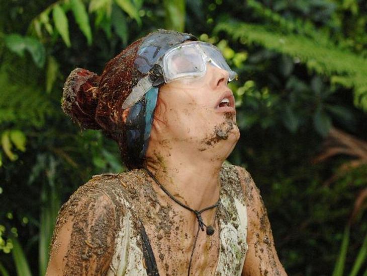 Fiona Erdmann - der Dschungel-HungerhakenBeim ersten mMal tat's noch weh... Fiona Erdmann bei ihrer ersten Dschungelprüfung. Hochzeitstorte mit Kakerlaken und Co. ist eben nicht ganz so lecker.