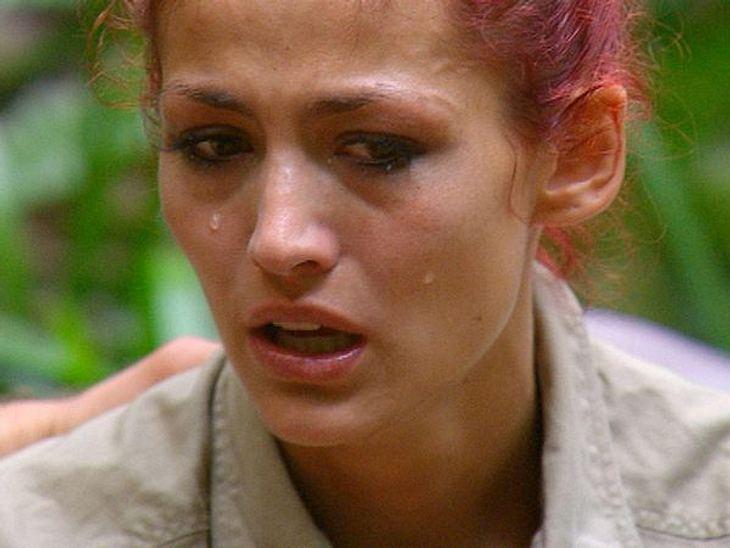 Fiona Erdmann - der Dschungel-HungerhakenZu Fionas großer Lebensbeichte gab es mächtig viele Tränchen...