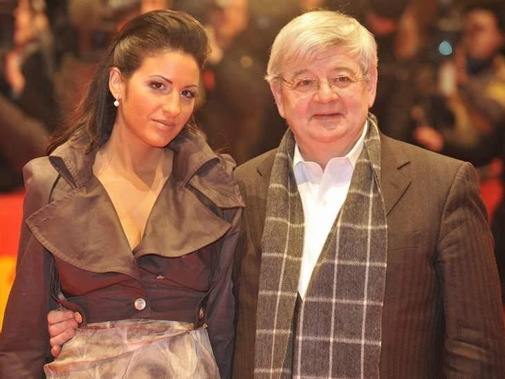 Prominente Paare mit großem AltersunterschiedDas was Hollywood kann, können wir auch! Auch in der deutschen Promi-Welt gibt es ältere Herren mit sehr jungen Frauen! Joschka Fischer (63) und Minu Barati (34) sind seit 2005 verheiratet.Luxus-