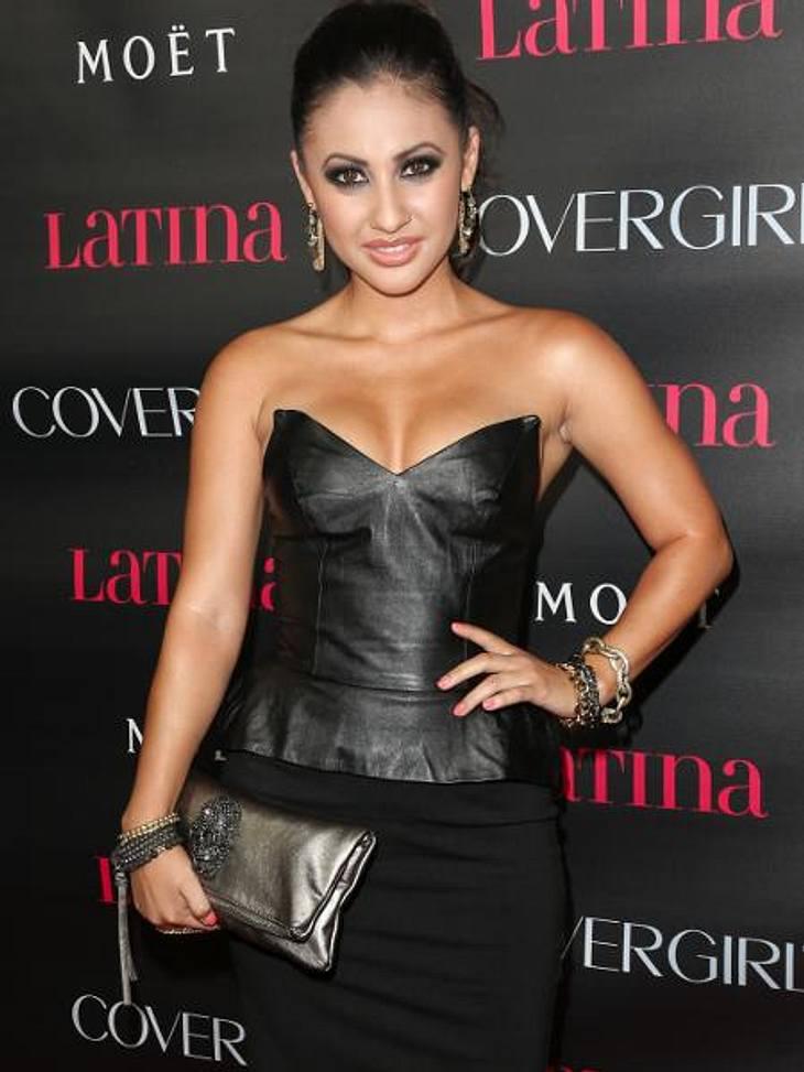 Latex, Leder, Lack: Die Stars stehen auf den Fetisch-LookUS-Schauspielerin Francia Raisa (24) wird vermutlich mit jeder Menge Klebeband nachgeholfen haben, damit ihr knappes Bustier-Top keine unliebsamen Einblicke gewährt.