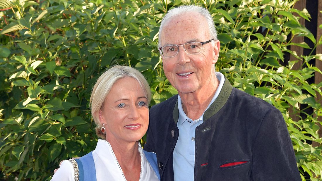 Franz Beckenbauer und seine Ehefrau Heidi beim Kaiser Cup 2019