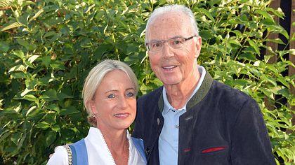 Franz Beckenbauer und seine Ehefrau Heidi beim Kaiser Cup 2019 - Foto: Getty Images