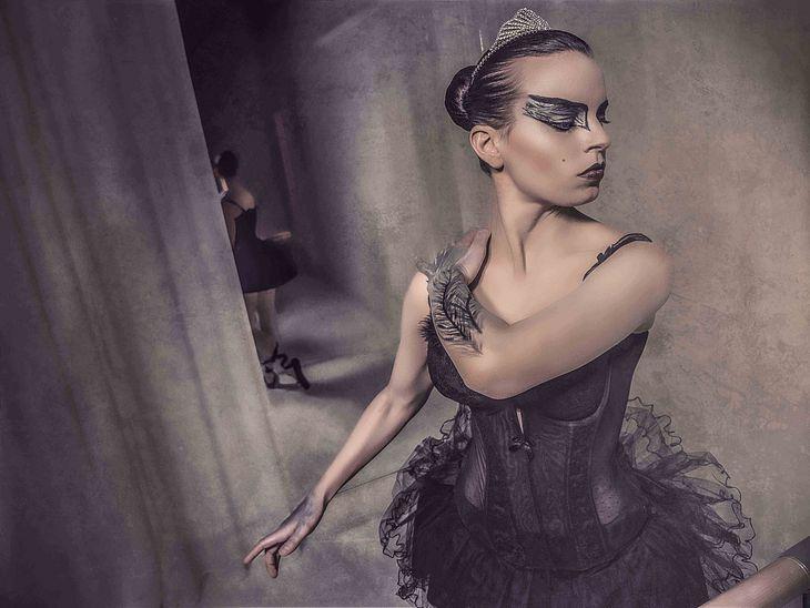 Franziska Benz begeistert als Black Swan