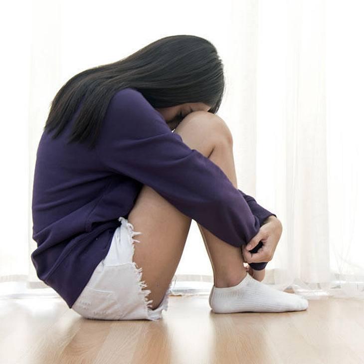 Mann vergewaltigt seine Verlobte 12 Tage lang