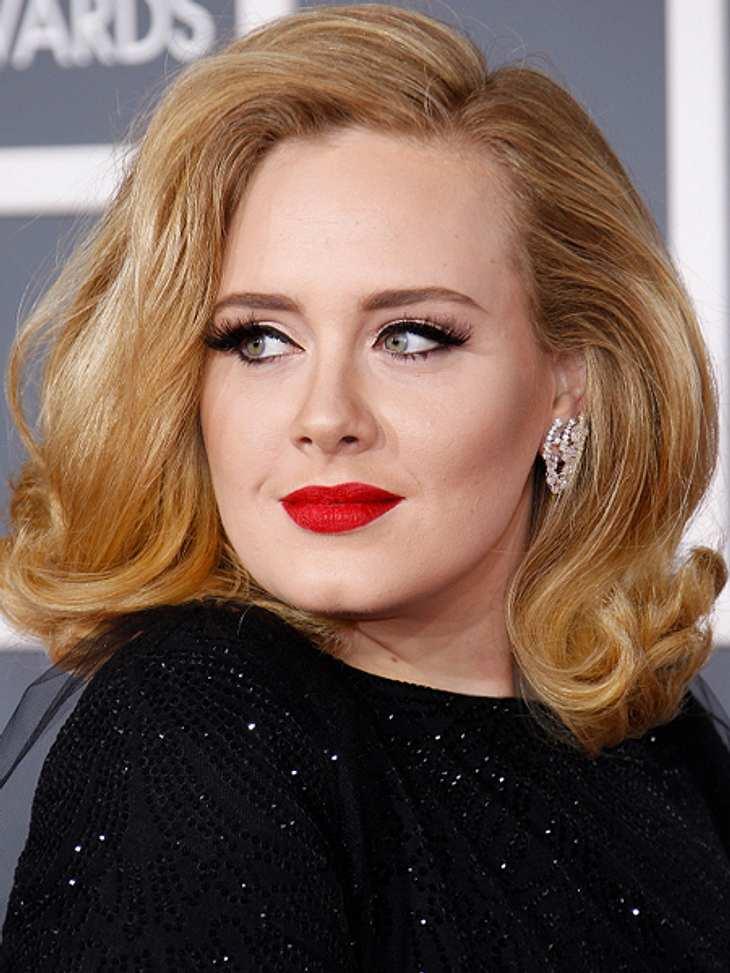 Die Schlank-Frisuren der Stars,Adele (24) schummelt sich mit einer Föhnwelle nach Außen optisch schlank.