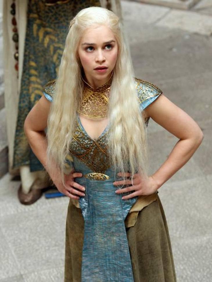 """""""Game of Thrones"""": Die besten Bilder aus Staffel zweiMit drei jungen Drachen will Daenerys, die inzwischen zu einer selbstbewussten Frau herangereift ist, die Macht zurückgewinnen."""