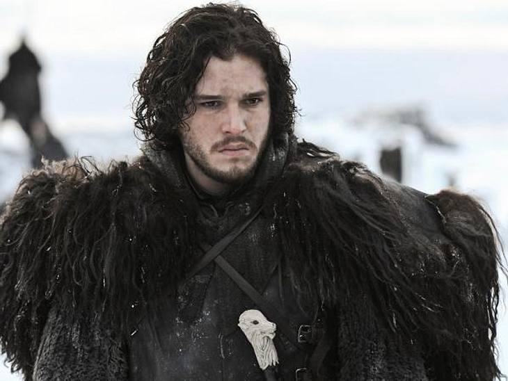 """""""Game of Thrones"""": Die besten Bilder aus Staffel zweiJon Schnee (Kit Harington) schwebt in der zweiten Staffel von """"Game of Thrones"""" in höchster Gefahr."""