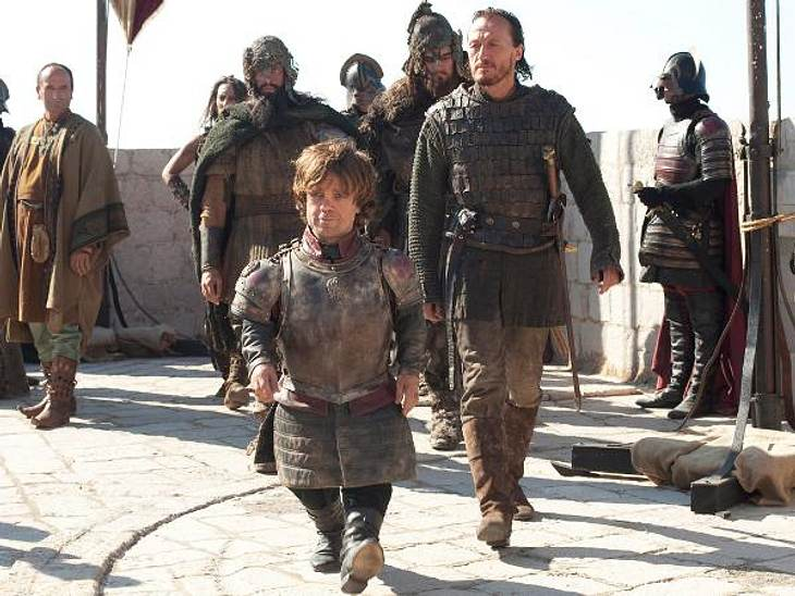 """""""Game of Thrones"""": Die besten Bilder aus Staffel zweiNach dem Tod seines Vaters hat Robb Stark den Norden für unabhängig erklärt. Es bricht ein Krieg gegen die Lannisters aus."""