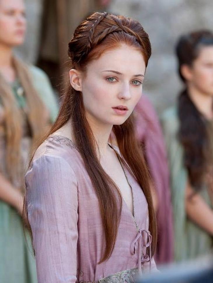 """""""Game of Thrones"""": Die besten Bilder aus Staffel zweiSansas Schwester Ayra Stark ist unterdessen auf den Flucht."""