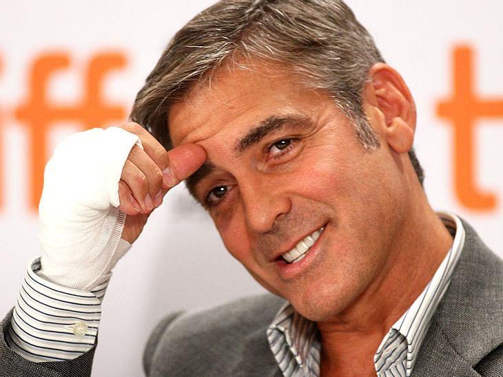 Als sich George Clooney vor ein paar Wochen die Hand brach, landete er aus Versehen zunächst beim Zahnarzt
