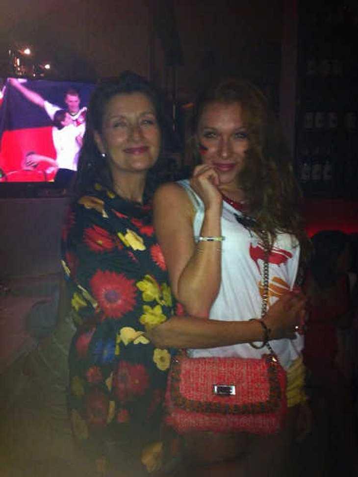 Georgina Fleur: Harmonische WM-Party mit Mama!