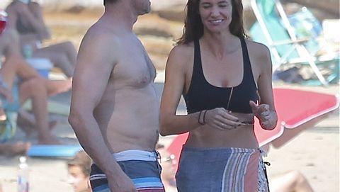 Gerard Butler mit Wampe im Malibu-Urlaub