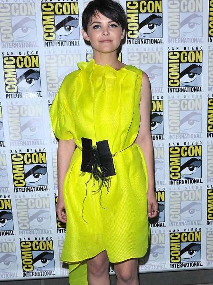 Star-Style: Die größten Fashion-Fiaskos im AugustNeon-Nonsens Ginnifer Goodwin in Schrei-Gelb - passt wirklich super, denn dieses Kleid ist echt zum Schreien.