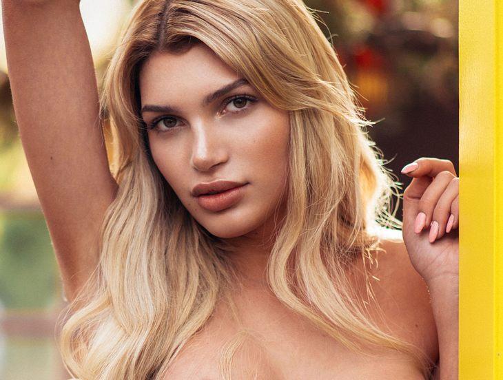 Giuliana Farfalla zeigt sich nackt im Fernsehen