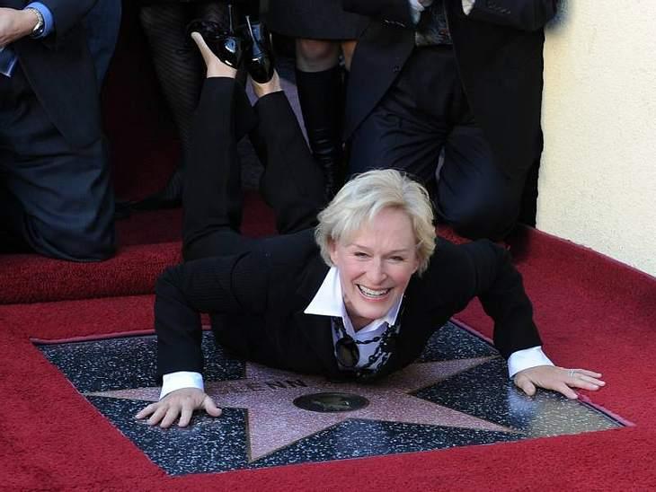 Walk of Fame: Die Sternstunde der Stars,Glenn Close (64) verneigte sich dann auch gleich vor ihrem Stern.