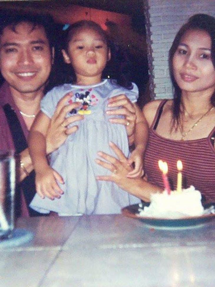 Klein-Anuthida mit ihren Eltern