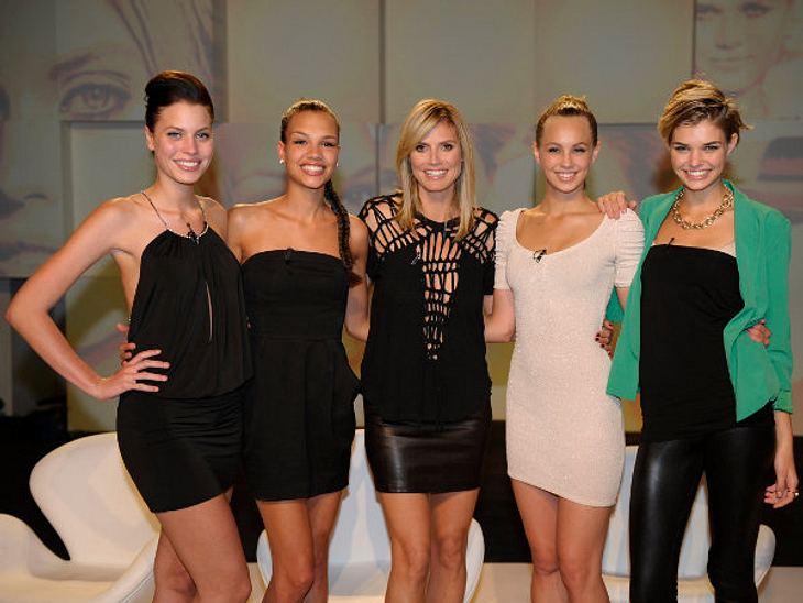 Sarah-Anessa, Dominique, Heidi Klum, Kasia und Luisa (von links)