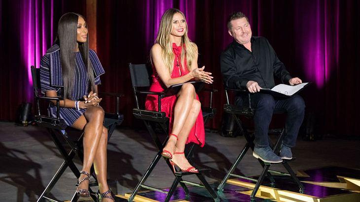 Heidi Klum mit ihren Gastjuroren Naomi Campbell & Fotograf Mat McCabe
