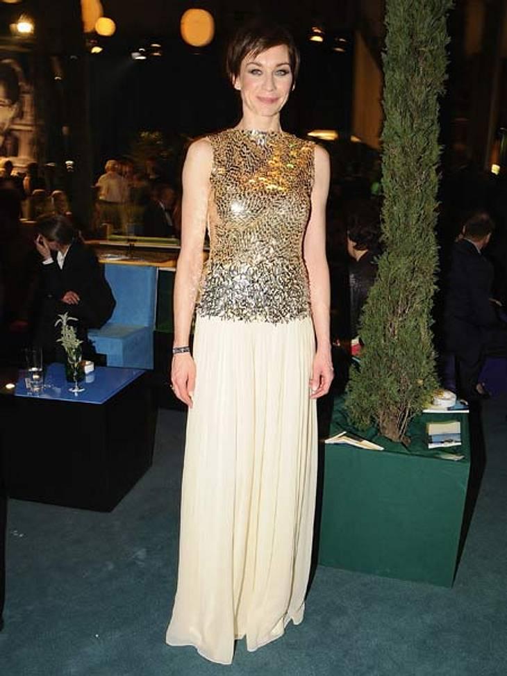 """""""Goldene Kamera"""" 2012Glänzender Auftritt: Schauspielerin Christiane Paul (37) in einem zurückhaltenden, aber überaus schicken Kleid."""