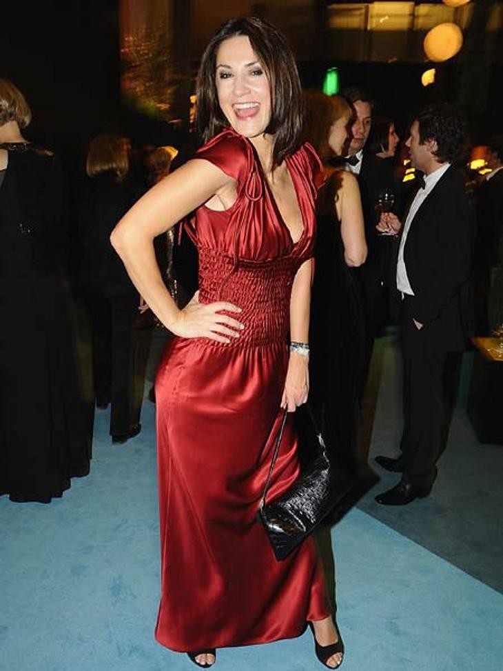 """""""Goldene Kamera"""" 2012Lady in Red: Mariella von Faber-Castell (42) in einem kaminroten Seidenkleid mit gesmokter Taille."""