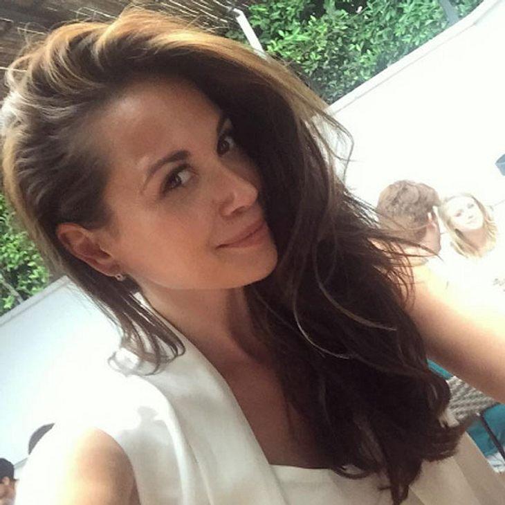 Mandy Grace Capristo: Mega Job-Deal!