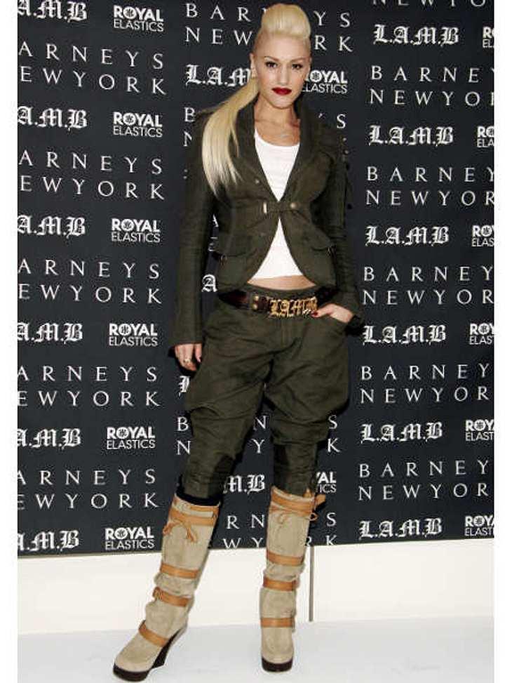 Der Look von Gwen StefaniHosenanzug - ja, spießig - nein! Gwen Stefani beim Launch ihrer Männer-Sneakers-Linie von L.A.M.B. für Barney's.