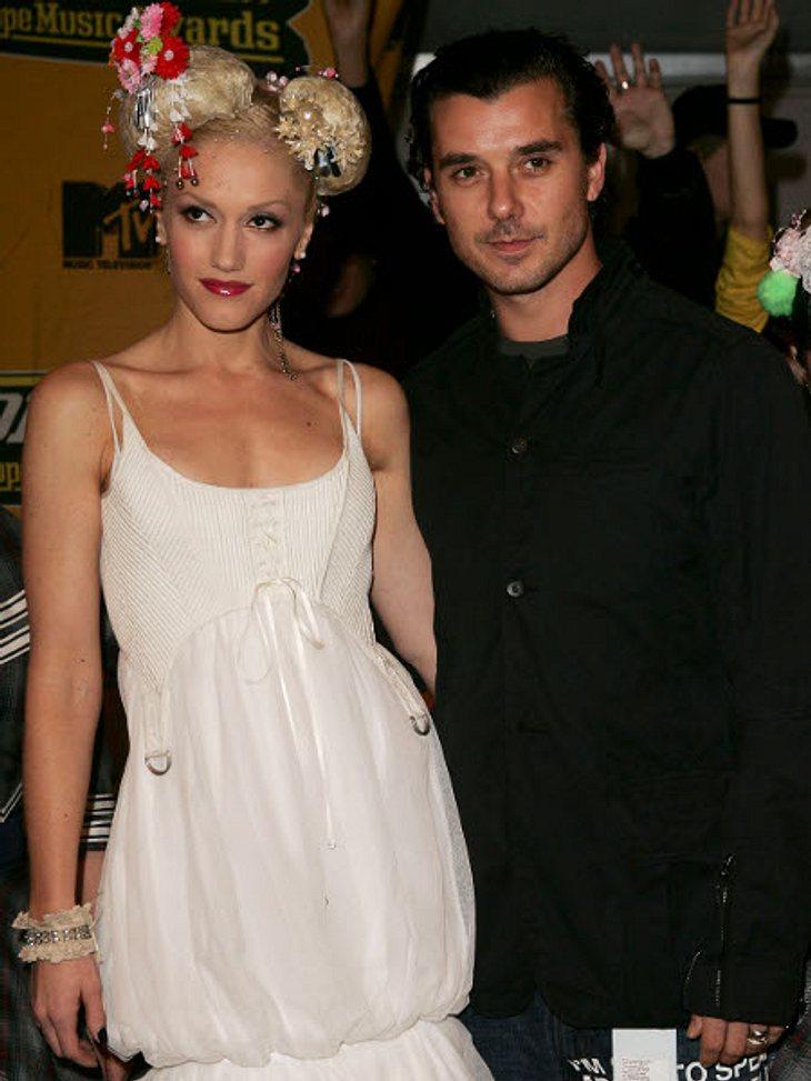 Der Look von Gwen StefaniBei den MTV Europe Music Awards 2004 zeigte sich Gwen Stefani nicht nur mit ihrem Mann Gavin Rossdale, sondern auch mit dieser sehr aufwendigen und niedlichen Frisur.