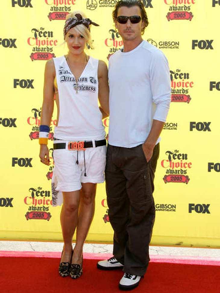 Der Look von Gwen StefaniFür die Kids griff Gwen Stefani bei den Teen Choice Awards 2005 in die Trickkiste und zeigte sich in einem besonders lässigen Outfit. Dagegen wirkte ihr Mann fast spießig.