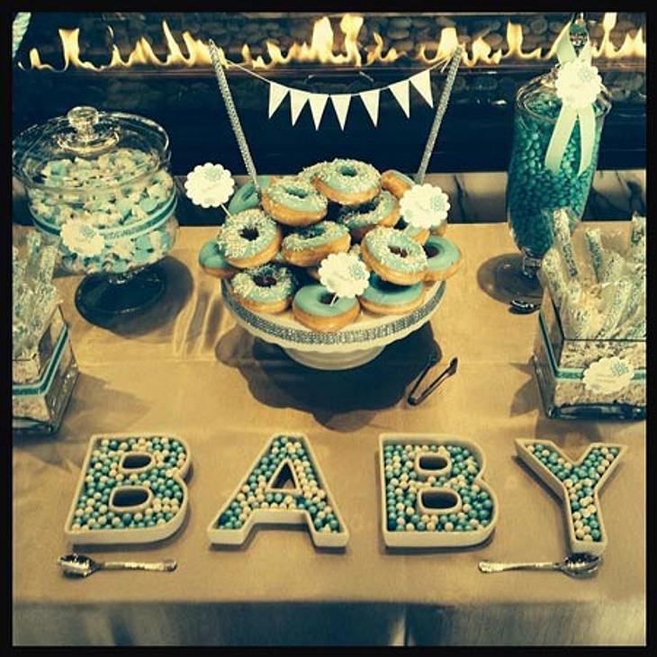 Gwen Stefani erwartet einen Jungen und feierte ihre Baby-Party daher ganz in blau.