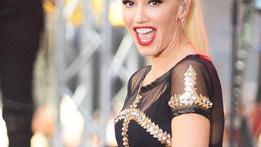Gwen Stefani ist mit schwarzen Haaren kaum zu erkennen - Foto: WENN