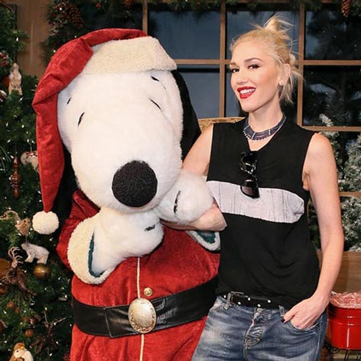 Bei Gwen Stefani bringt Weihnachts-Snoopie die Geschenke.