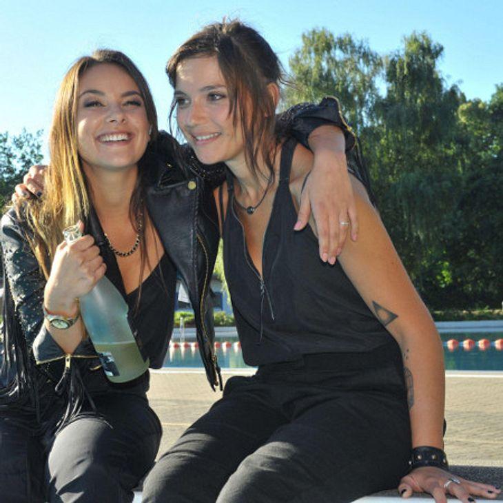 Gzsz Jasmin Und Anni Planschen Im Freibad Intouch