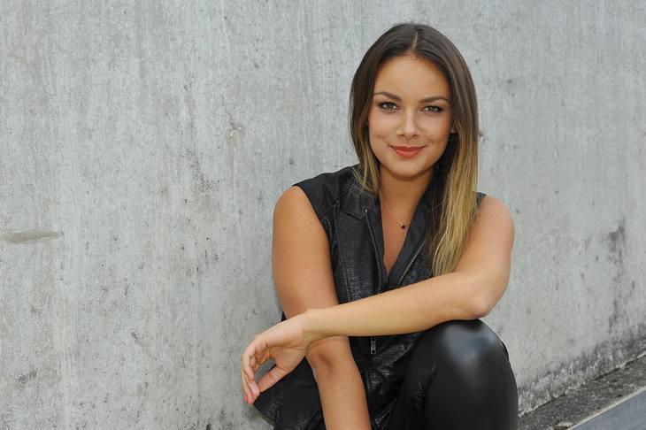 Janina UhseGZSZ E5920 - 2016